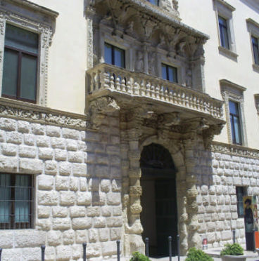 Mare Versus - Palazzo della Marra